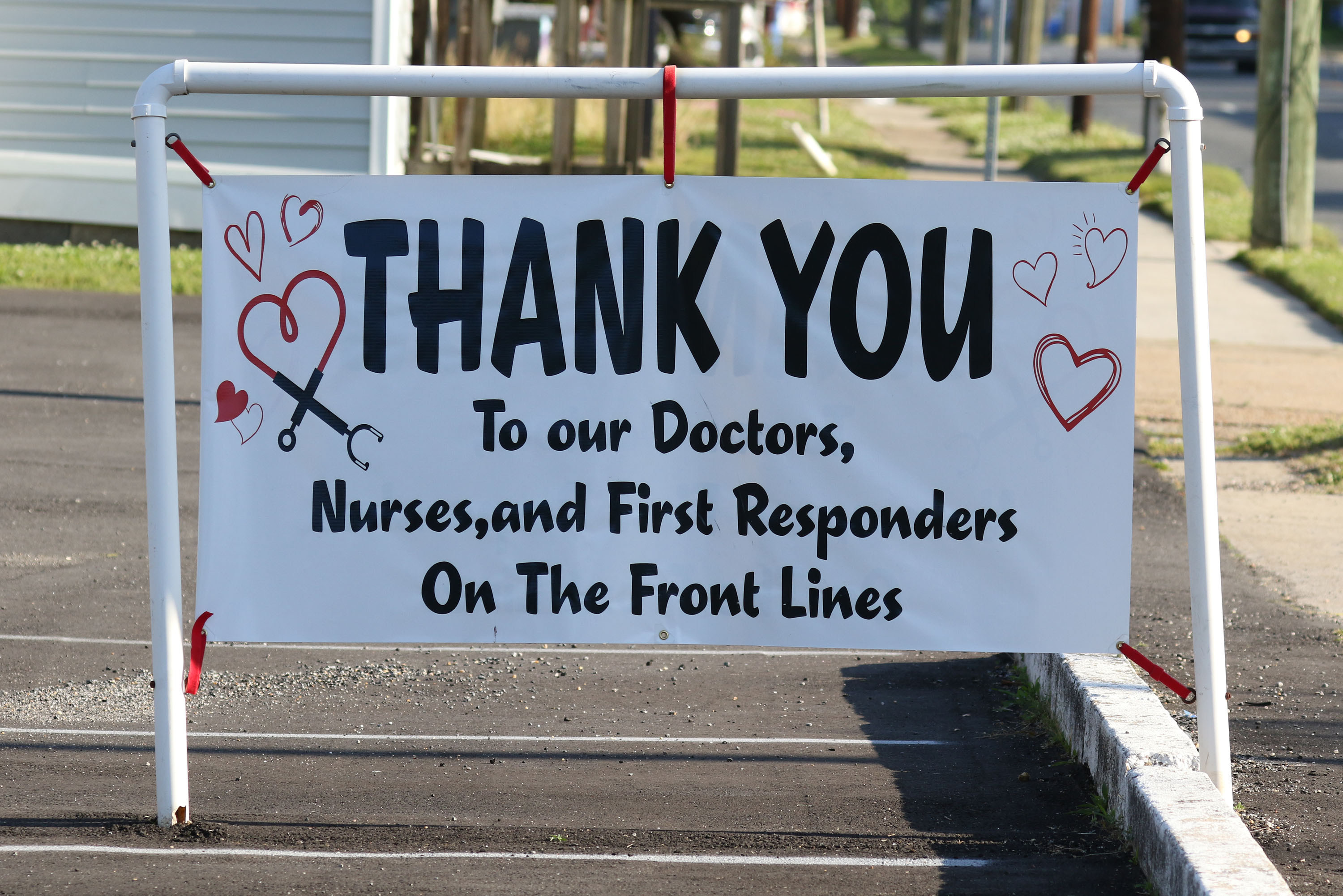 """Thank You"" sign to doctors, nurses, first responders"